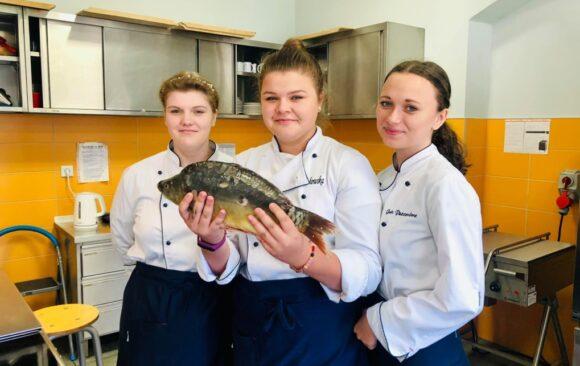 Uczniowie technikum żywienia podnoszą swoje kwalifikacje